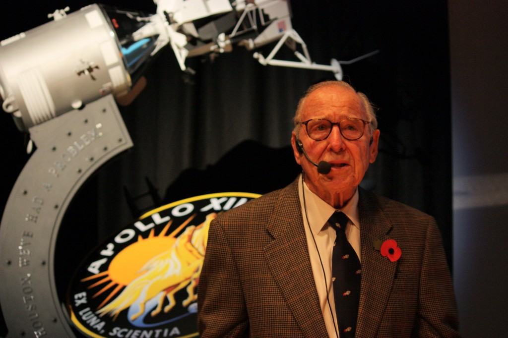 Jim Lovell, Apollo 13